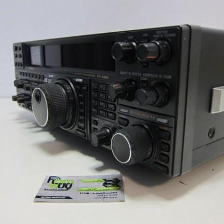 YAESU FT-2000